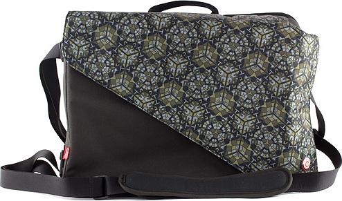 Cestovní batoh Target černo/zelený, s ornamenty