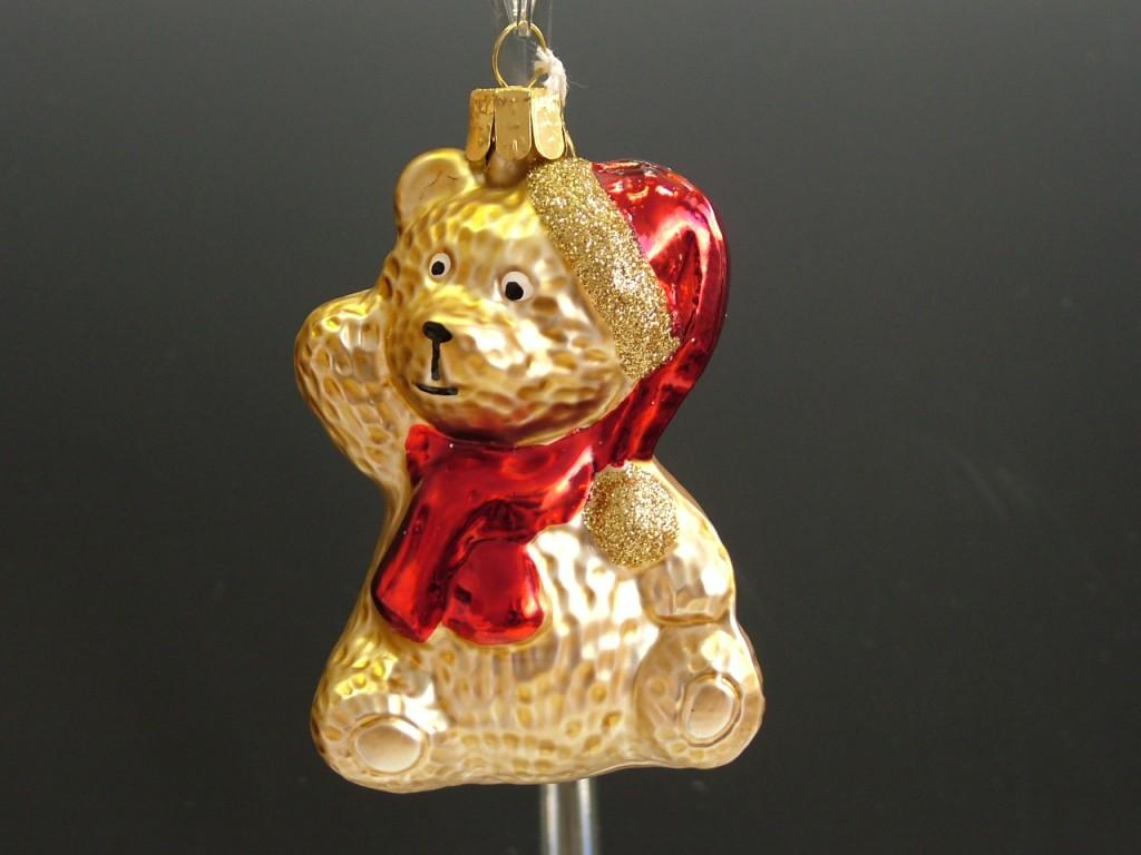 Slezská tvorba Skleněná figurka | medvěd s čepicí a šálou | zlatý mat Balení obsahuje: 1 kusů