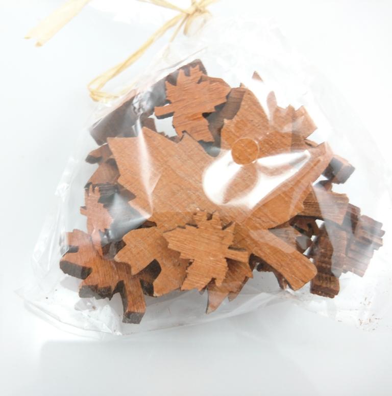 Dekorace javorové listy v sáčku Barva: hnědá