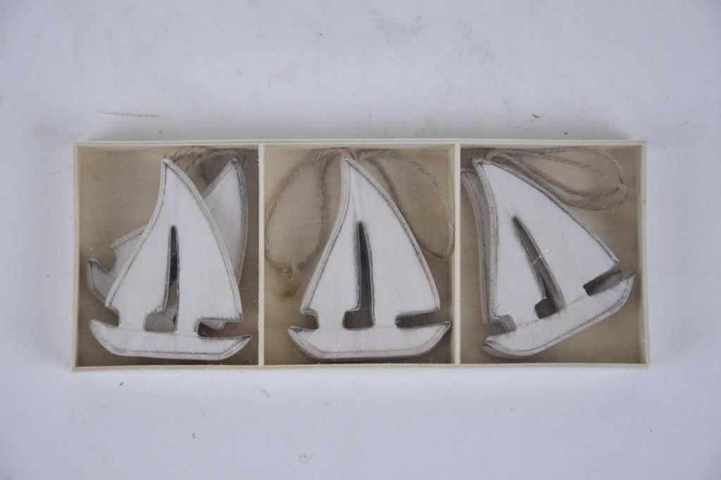 Ozdobné plachetnice ze dřeva
