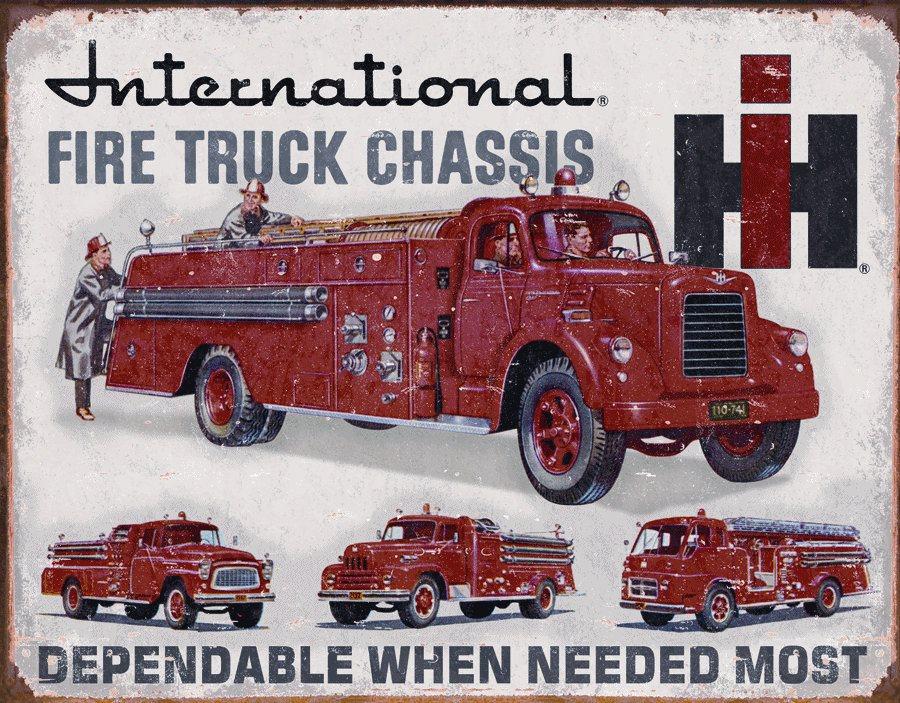 Desperate Enterprises, Inc. Plechová cedule Fire Truck Chassis Rozměry: 30x40cm