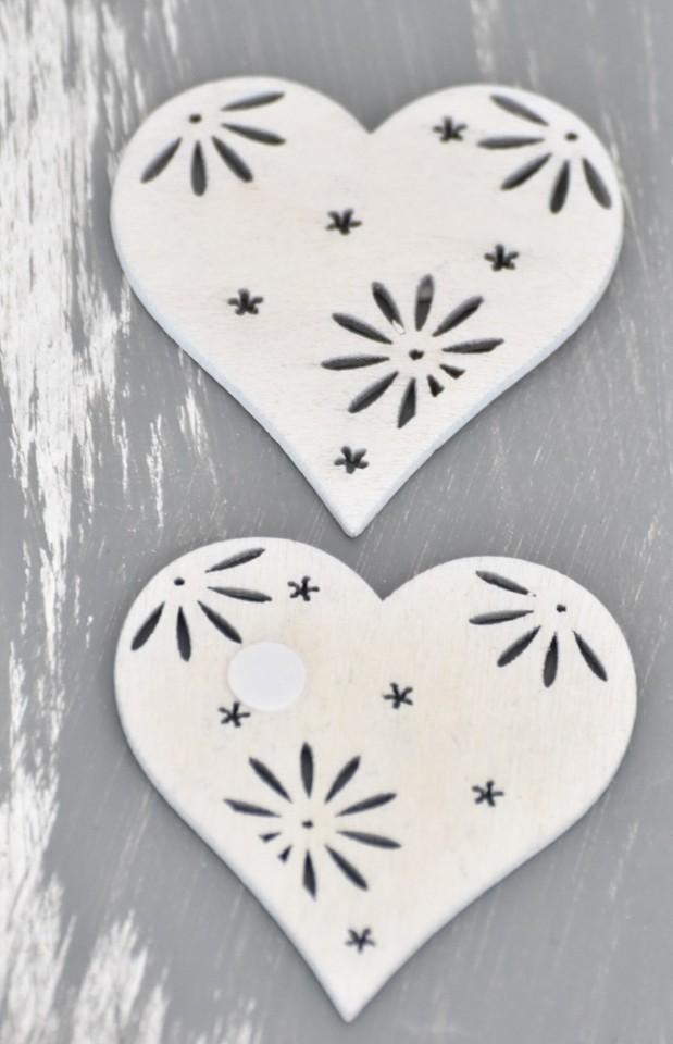 Dřevěné dekorace set 12ks S motivem: srdce