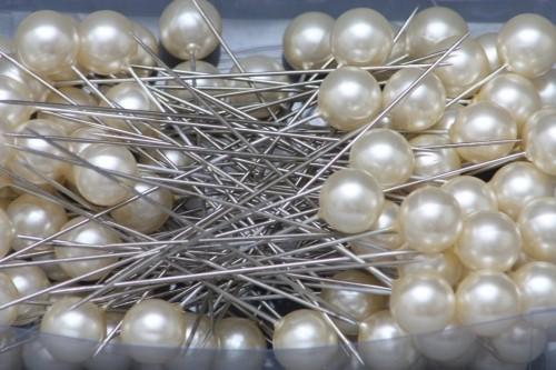Špendlíky ozdobné s perlou Barva: krémová, Provedení: Menší