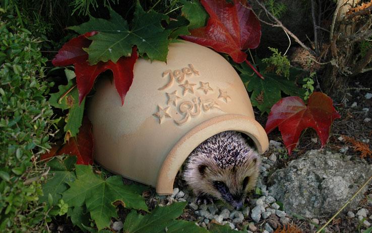 DENK Keramik Domeček pro ježky Ritz 14x30x32cm