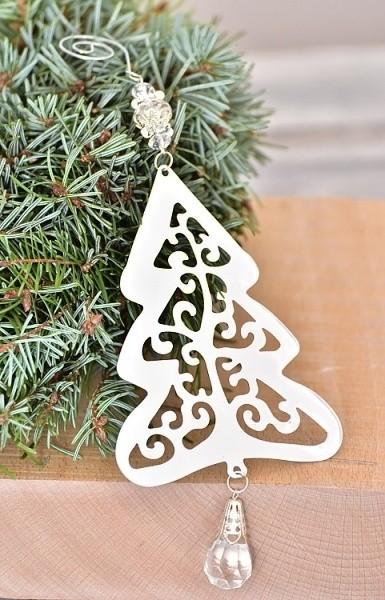 Kovový vánoční stromeček k zavěšení 9x25cm