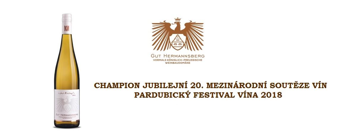 Champion výstavy - Just Riesling VDP 2016 z německého vinařství Gut Hermannsberg.