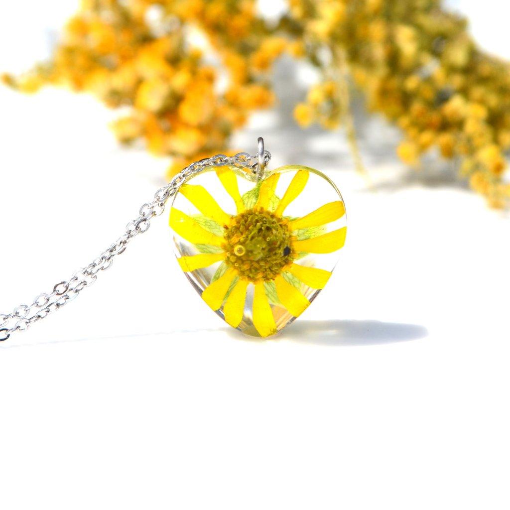 srdce žlutý náhrdelník s květinou (1)