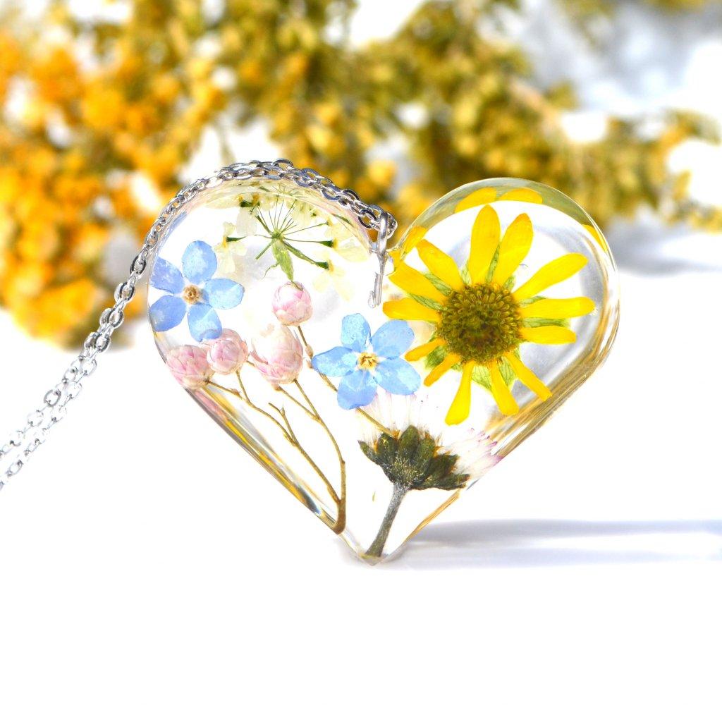 srdce s květinami na řetízku (1)