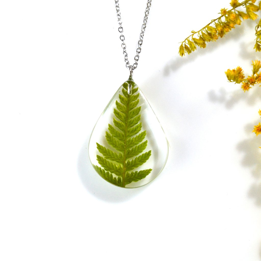 zelený náhrdelník s kapradinou (2)