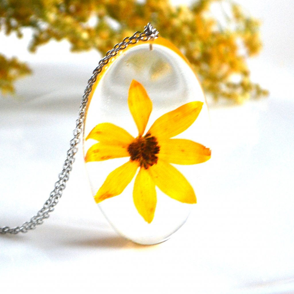 žlutý náhrdelník (1)
