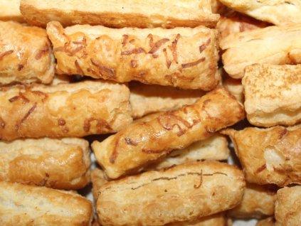 Lístkové tyčinky so syrom  200 g