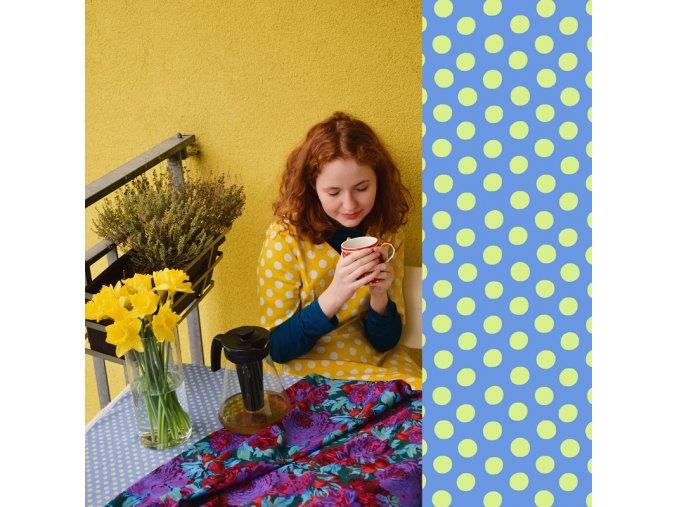 spot in spring metráž puntíkovaná modrá puntík žlutý ema8