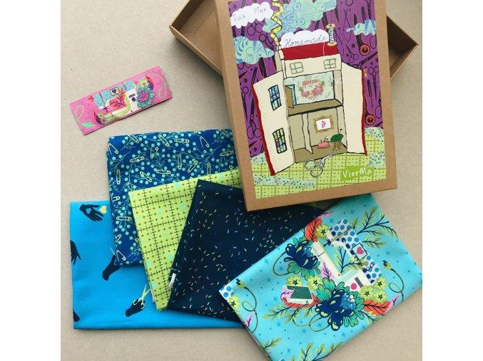modrý set látek Tula Pink dárkové balení dárek pro švadlenky látky jako dárek sada metráže