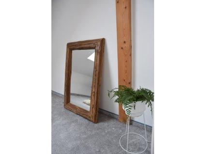 Rustikální zrcadlo z dřevěných trámů