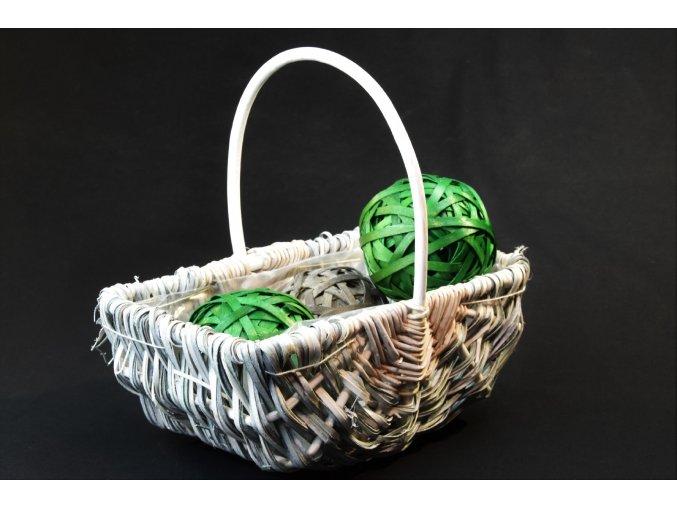 Bílý proutěný košík Vingo s dekorací