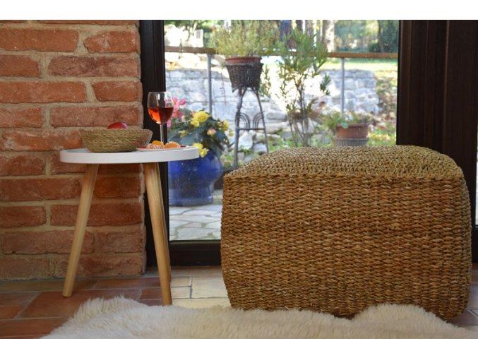 Hranatý sedací taburet – puf Vingo - tip na umístění v interiéru