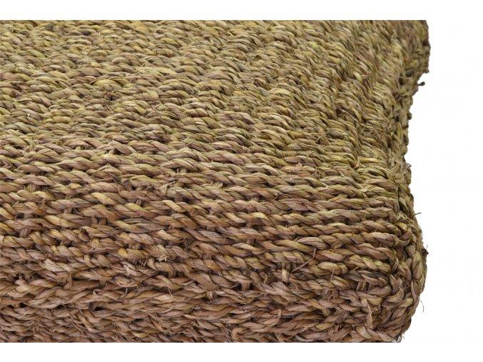 Hranatý sedací polštář z mořské trávy Vingo - tip na umístění v inteiéru