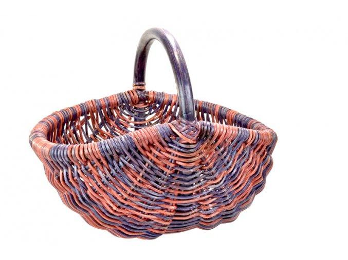 Ratanový nákupní košík v červeno fialových odstínech