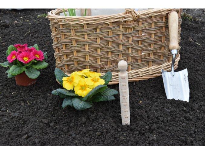 17571 zahradnicke naradi v proutenem kosiku velky set