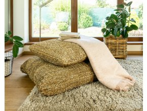 Hranatý sedací polštář (rozměry (cm) 63x63, v. 22)