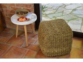 Sedací taburet kostka – puf Vingo z mořské trávy - tip na umístění v interiéru