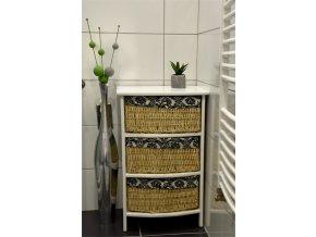 Bílá komoda Vingo s košíky z kukuřice - tip na umístění v interiéru