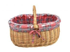 Proutěný nákupní košík s igelitovou vložkou s kostkovanou látkou