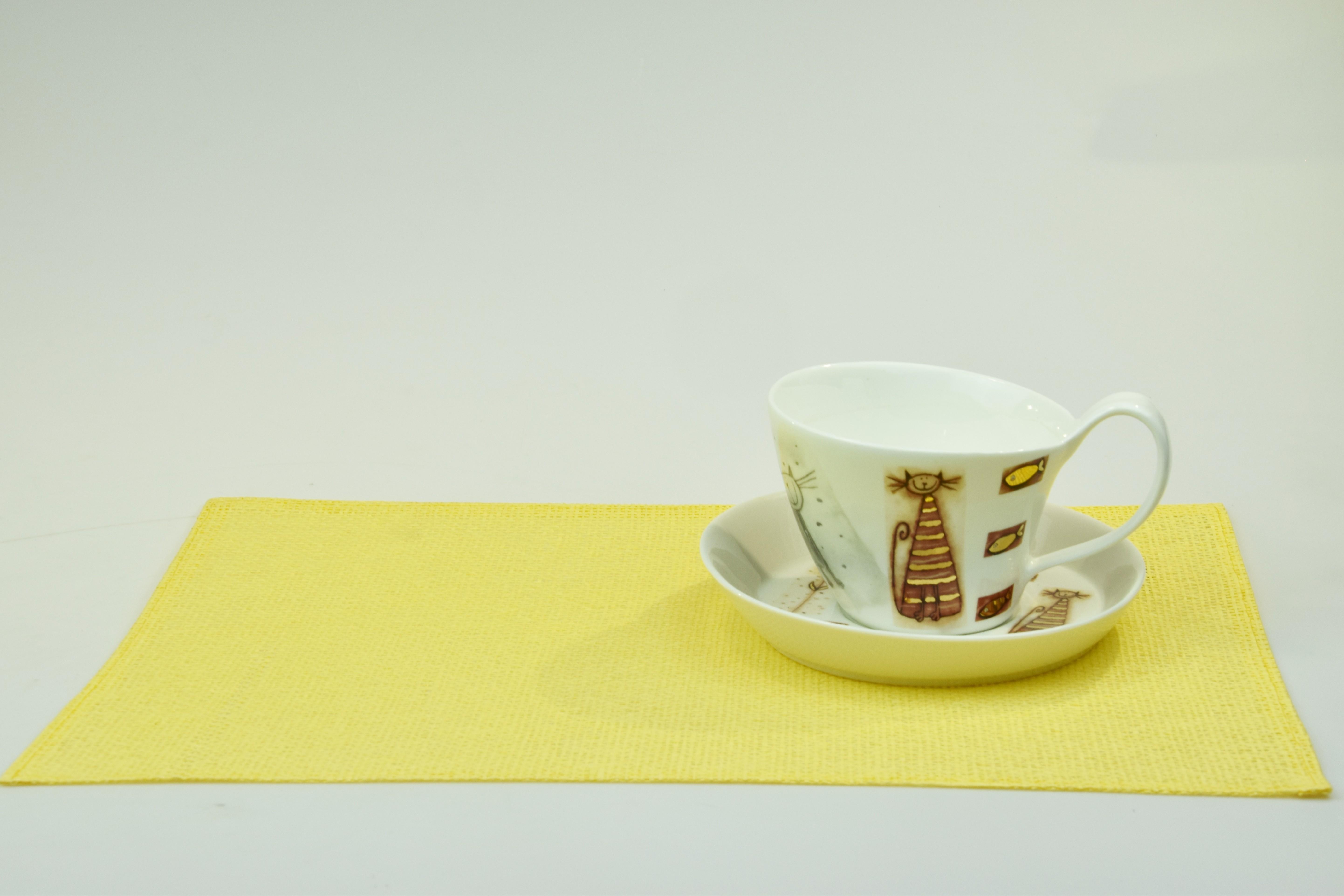Prostírání na velikonoční stůl - žluté