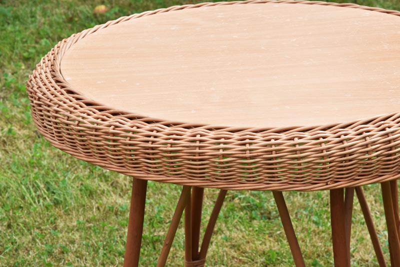 Proutěný stolek Rozměry (cm): průměr 70, v. 68