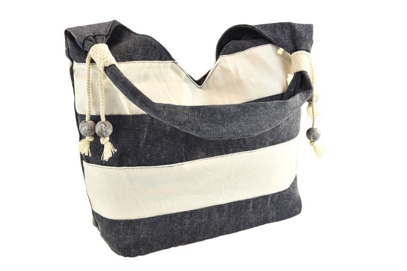 Lehká šedá kabelka přes rameno