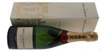 Akce ihned Champagne Moët & Chandon Brut Impérial 0,75 l dárkový box