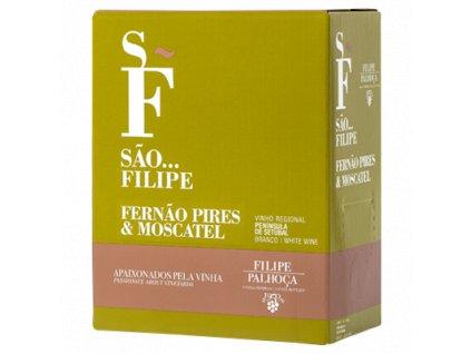 SÃO FILIPE Fernao Pires&Moscatel Vinotéka ve dvoře