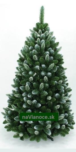 biely vianočný stromček so snehom