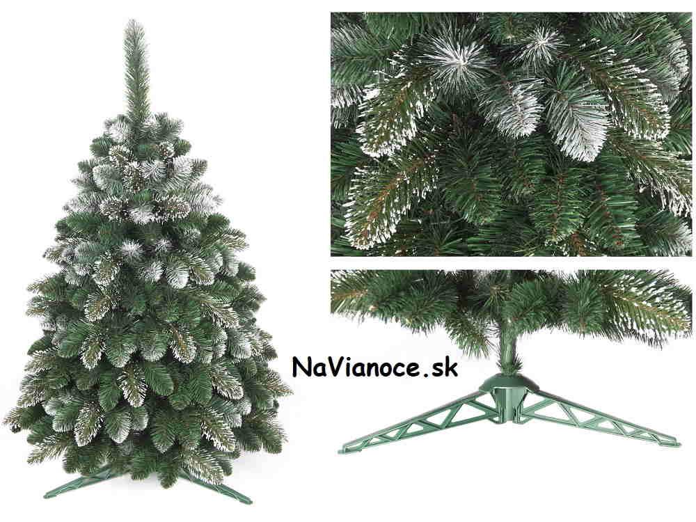 zasnežený umelý vianočný stromček