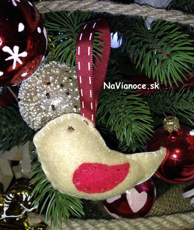 elegantne-umele-huste-3d-vianocne-stromceky