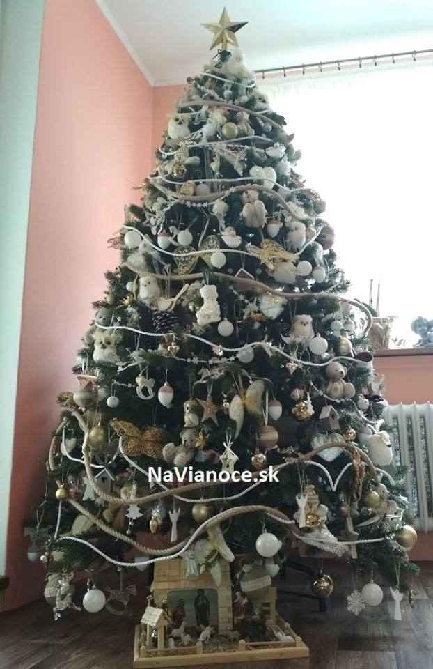 luxusny-husty-vianocny-stromcek