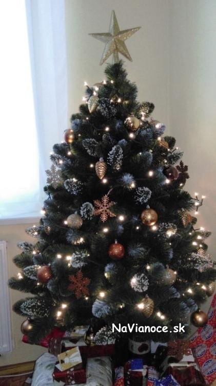 maly-vianocny-stromcek-so-snehom-150-cm-biely