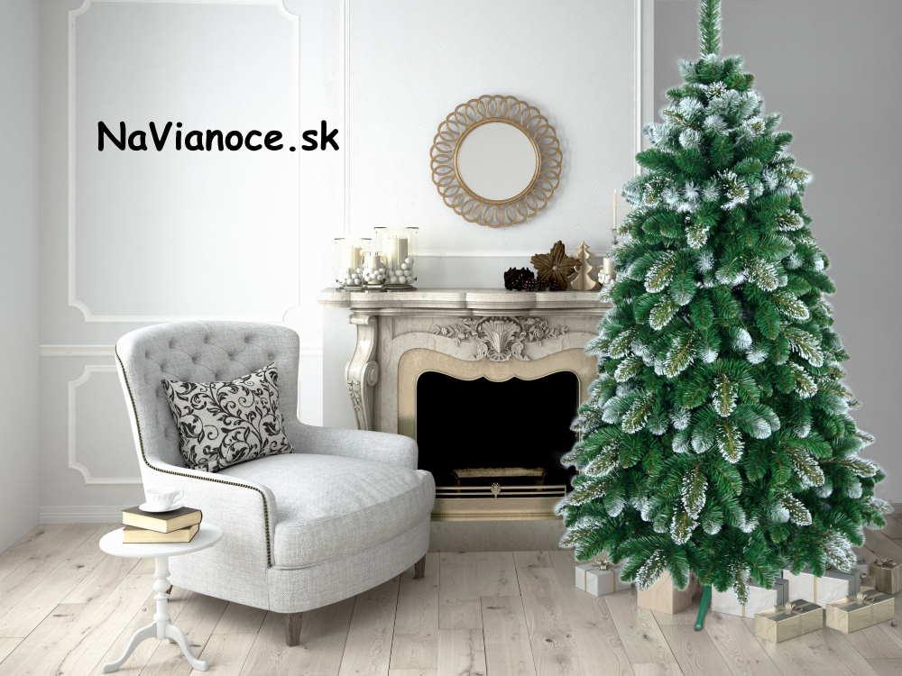 vianocny-stromcek-zasnezeny-snehovy