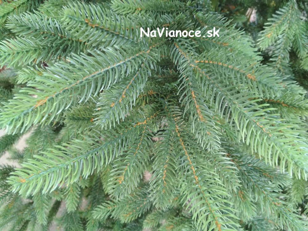 moderny-umely-vianocny-stromcek