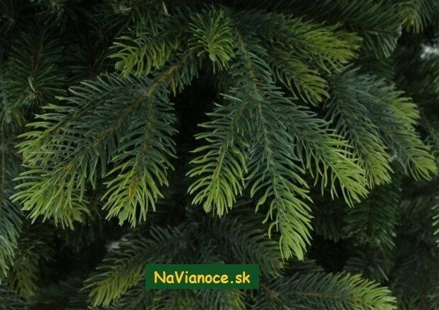 uzke-vianocne-stromceky-3d-vianoce