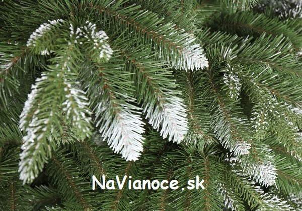biely 3d vianočný stromček