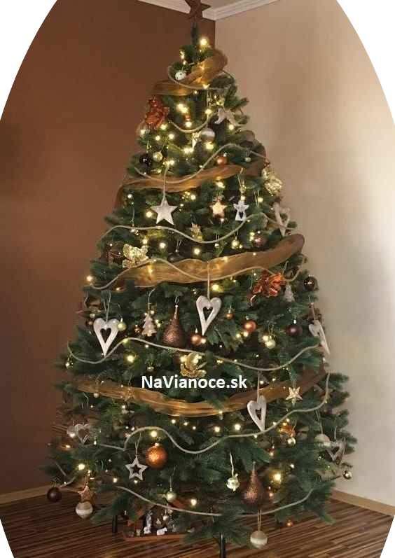ozdobené vianočné 3d stromčeky umelé