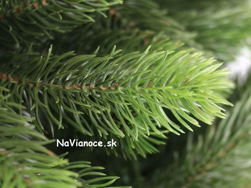 vianočný stromček 3d smrek