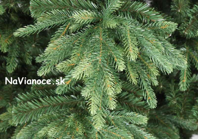 vianočný stromček nesúmerný tvar prirodzeného stromčeku, 3d vianočné ihličie