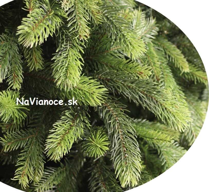 vianočný stromček moderný hustý