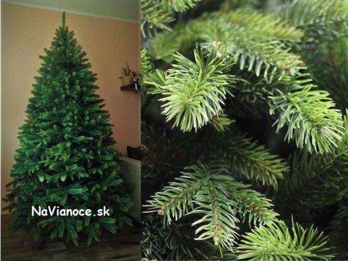veľký, vysoký a široký vianočný stromček