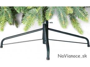 pekný vianočný umelý 3d stromček