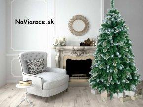 vianocny stromcek zasnezeny snehovy