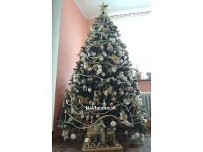 luxusny husty vianocny stromcek