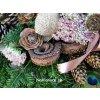 prirodne ikebany dekoracie kvety na dusicky na hroby
